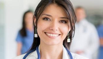 В МЦ Премьер- мед требуется косметолог и стоматологическая медсестра